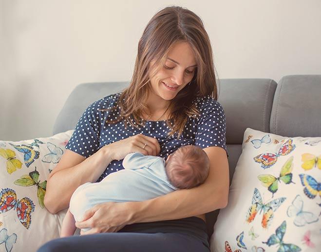 womens-ob-breastfeeding-healthy-newborn/